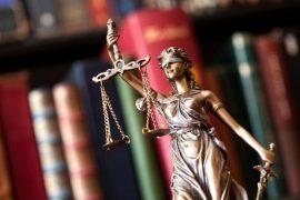 Formados em direito têm os maiores salários entre 10 carreiras mais procuradas