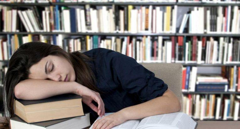Estudantes não devem se privar do sono