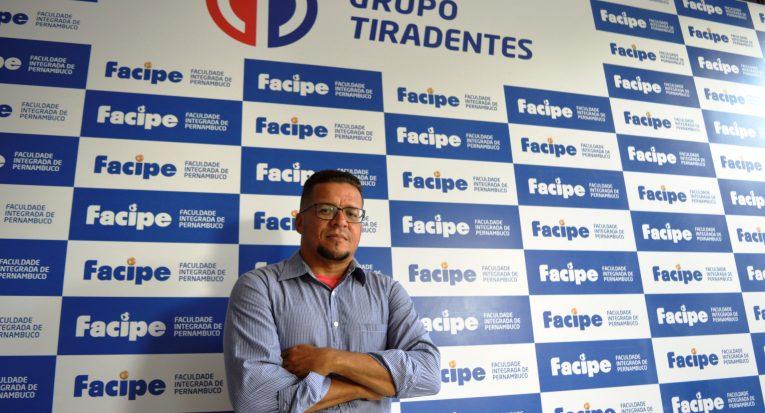 Milton Morais, docente da Facipe